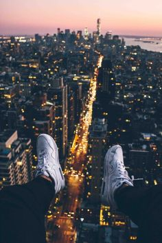 Nike - Air Max Correlate Sneakers might have to try! Parkour, Nyc, City Aesthetic, Night Aesthetic, Urban Life, Concrete Jungle, New Image, Aesthetic Pictures, Yorkie