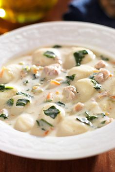 Olive Garden Chicken and Gnocchi Soup Copycat . Get the best Olive Garden Chicken & Gnocchi Soup Crock Pot Recipes, Chicken Recipes, Cooking Recipes, Healthy Recipes, Slow Cooker Huhn, Slow Cooker Chicken, Cooked Chicken, Chicken Gnocchi Soup, Olive Garden Gnocchi Soup