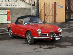 Alfa Romeo Giulietta Spider Veloce - 1958. Maintenance/restoration of old/vintage vehicles: the material for new cogs/casters/gears/pads could be cast polyamide which I (Cast polyamide) can produce. My contact: tatjana.alic@windowslive.com
