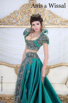 Habit traditionnel tunisien pour la mariée appelée: keswa outia