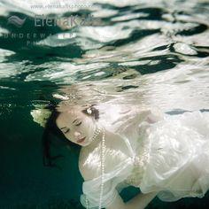 ophelia pose. Love underwater shots!