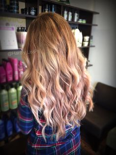 Golden waves. Blonde to rose gold balayage fade out. Long hair.