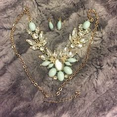 I just discovered this while shopping on Poshmark: Earring and necklace set. Check it out! Price: $18 Size: OS