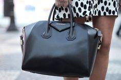 Just chic - Givenchy Antigona