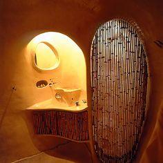 La casa orgánica nace de la idea de crear un espacio adaptado al hombre, de…