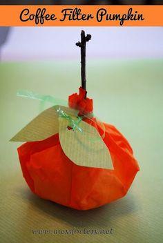 Coffee Filter Pumpkins #SuliaMoms #Halloween