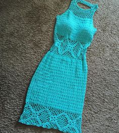 Vestido de crochê  crochê Crochet T Shirts, Crochet Blouse, Crochet Clothes, Knit Dress, Knit Crochet, Dress Patterns, Crochet Summer Dresses, Do It Yourself Fashion, Skirt