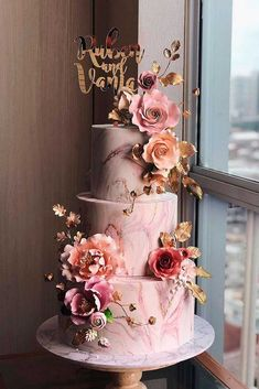 One of the most important accents of your amazing wedding day is wedding cake! I hope you will find the one that will make your wedding more perfect. Find a wedding cake of your dreams! amazing wedding cakes The Wedding Cake Trends That Are Defining 2019 Creative Wedding Cakes, Beautiful Wedding Cakes, Wedding Cake Designs, Beautiful Cakes, Tier Wedding Cakes, Best Wedding Cakes, Wedding Cake Rustic, Floral Wedding, Wedding Day