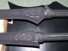 In-depth latex LARP weapon making tutorials.