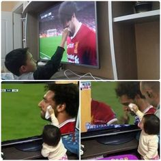 Awwww this is sooo cutee❤ Salah Liverpool, Liverpool Fc, Egyptian Kings, Mo Salah, Soccer Memes, Mohamed Salah, Dream City, Football Fans, Soccer Players
