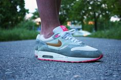 Nike Air Max 1 Pink Pack; hard