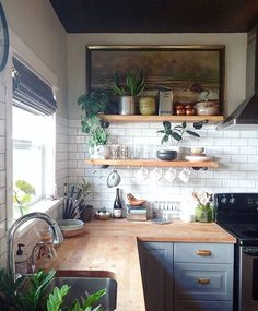 Kitchen decor and kitchen ideas for all of your dream kitchen needs. Modern kitchen inspiration at its finest. Home Decor Kitchen, Diy Kitchen, Kitchen Dining, Kitchen Cabinets, Kitchen Backsplash, Backsplash Ideas, Kitchen Ideas, Kitchen Corner, Awesome Kitchen