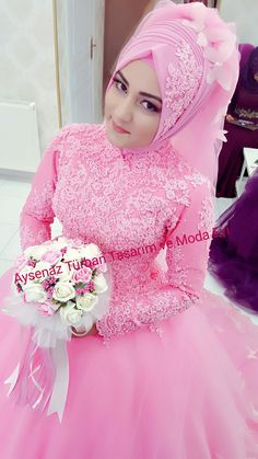 Wedding Hijab Styles, Muslim Wedding Dresses, Muslim Brides, Pink Wedding Dresses, Indian Wedding Outfits, Bridal Dresses, Hijab Style Dress, Modest Fashion Hijab, Bridal Hijab