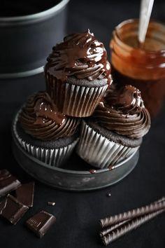 Cupcake Recipes, Cupcake Cakes, Dessert Recipes, Desserts, Devils Food Cupcake Recipe, Hot Fudge, Chocolate Fudge Cupcakes, American Chocolate, Fudge Sauce