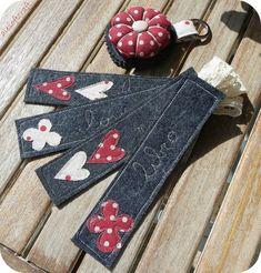 Ale soft craft: segnalibri rossi - My site Felt Bookmark, Bookmark Craft, Diy Bookmarks, Jean Crafts, Denim Crafts, Paper Crafts, Artisanats Denim, Sewing Crafts, Sewing Projects