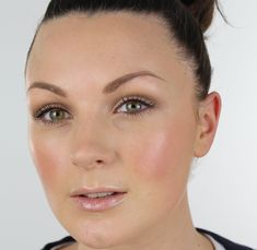 EASY DAILY MAKE-UP TUTORIAL, via YouTube. One of my fav, everyday makeup options.