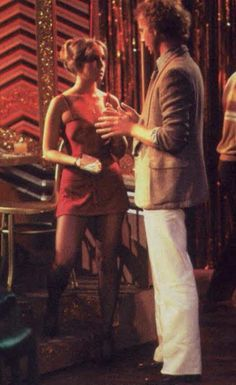 Laura working at the campus disco talking to Luke My Girl Lyrics, Falling In Love With Him, My Love, Laura Spencer, Genie Francis, Luke And Laura, Soap Opera Stars, Best Soap, General Hospital
