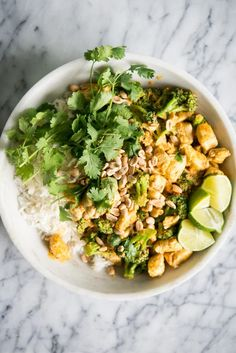 This Easy Chicken Curry is my go to dinner when I just can't possibly make one more creative decision! It's a staple in our house and we hope you love it! Thai Yellow Chicken Curry, Easy Chicken Curry, Best Low Carb Recipes, Favorite Recipes, Paleo Dinner, Dinner Recipes, Thai Curry Recipes, Fed And Fit, Coconut Curry