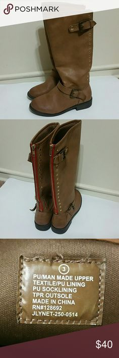 Steve Madden Jlynet Boots for Girls In great condition, these size 3 Steven Madden boots for girls is in great condition. Barely worn, shoes are clean and still has a lot of life left for that special girl in your life.  Offers accepted. Thanks for checking this listing out. Be sure to peruse the rest of my closet, bundle and save on shipping. Steve Madden Shoes Boots