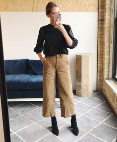 pantaloni culotte cammello 31 Trendy How To Wear Sweatpants Outfits Ideas Wide Pants Outfit, Culottes Outfit, Comfy Outfit, Fall Fashion Outfits, Look Fashion, Casual Outfits, Culotte Style, Mode Top, Elegantes Outfit