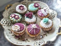 cupcakes cu floricele fondant