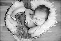 © www.brioart.com - Cute newborn portrait in black and white