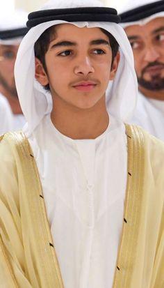 Mohammed bin Rashid bin Mohammed Al Maktoum, boda de Maryam MRM y Khalid MHN, Handsome Arab Men, Handsome Boys, Khalid, Dubai, Academia Militar, Prince Mohammed, Handsome Prince, Royal Prince, New Kids