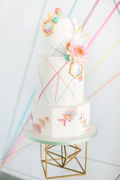 Geometric inspired wedding cake by Olofson Design