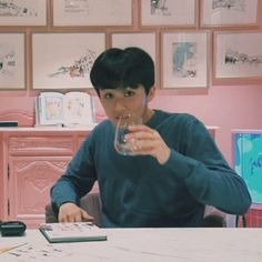 #mark #nct #nct127 #nctu #nctdream #nct2018 Nct 127 Mark, Mark Lee, Kpop Boy, Taeyong, Jaehyun, Nct Dream, Memes, Boys, Watermelon