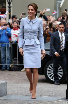 O look de Kate Middleton em sua primeira viagem oficial