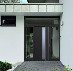fachadas-de-casas-con-puertas-de-aluminio