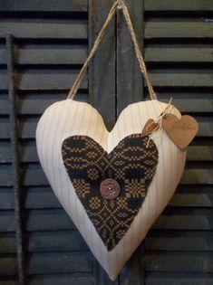 Sweet Primitive Handmade Heart Door Greeter/Peg Hanger