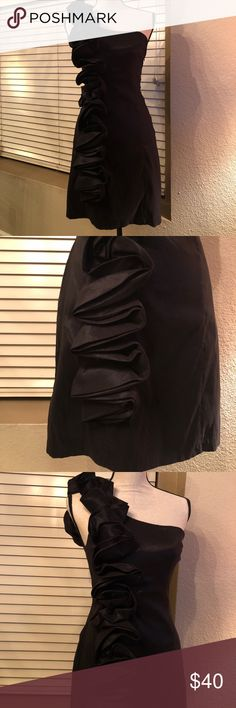 Black one shoulder dress. Black one shoulder dress. It's fun, flirty AND sexy! I love this dress but sadly it doesn't love me any longer ☹️ Dresses One Shoulder