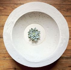 Concrete Bowl | 26 DIY Concrete Projects