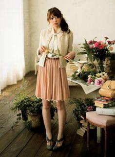仲良しの同僚とフラワーアレンジメントを体験♪ | ファッション コーディネート | with online on ウーマンエキサイト