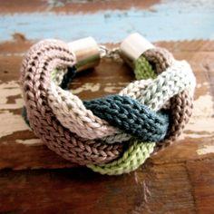 """Geflochtenes Strickarmband """"Woodie"""" von wollgold auf DaWanda.com Textile Jewelry, Fabric Jewelry, Crochet Baby Sweaters, Knit Crochet, Jewelry Knots, Jewelry Crafts, Textiles, Knit Bracelet, Bracelets"""