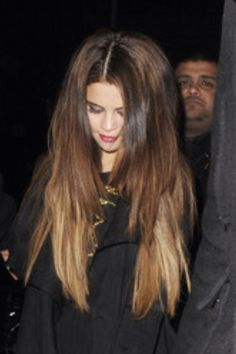 Selena gomez hair How To Attract Selena Gomez http://howtoattractwomentip.com/become-a-badass-with-women/