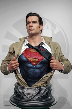 "Infinity Studios has unveiled an image of their upcoming Henry Cavill as Superman bust from the ""Justice League"" movie. Inspired by the final scene of the film in which Clark Kent rips … Batman Vs Superman, Henry Cavill Superman, Supergirl Superman, Superman Shirt, Superman Movies, Superman Man Of Steel, Dc Movies, Marvel Vs, Marvel Comics"