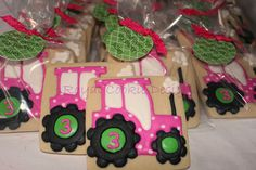 Pink John Deere tractor party Country Birthday, 1st Birthday Girls, 2nd Birthday Parties, Birthday Ideas, Graduation Party Themes, Kids Party Themes, Party Ideas, Pink Tractor, John Deere Party