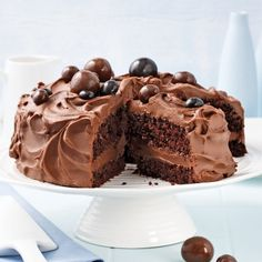 Ultra-sweet chocolate cake – Caty recipes Source by Cacao Recipes, Brownie Recipes, Just Desserts, Dessert Recipes, Chocolat Cake, Chocolate Desserts, Baking Recipes, Cupcake Cakes, Bakery