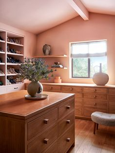 Leave it to Studio Shamshiri to make time stand still. #pinkcloset #midcenturywalkincloset #ranchstylehome #westerninteriors #elledecor Stone Fireplace Surround, Thing 1, Indoor Outdoor Living, Wood Beams, Ranch Style, Custom Cabinets, Interior Design Studio, Elle Decor, Architecture