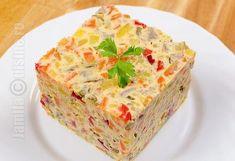 Salata de boeuf facuta in casa Easy Salad Recipes, Easy Salads, Crab Stuffed Avocado, Cottage Cheese Salad, Salad Design, Romanian Food, Romanian Recipes, Seasonal Food, Wrap Sandwiches