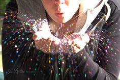 Glitter Blowing @jo_lindhe_photography