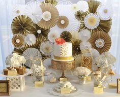 Gold Dessert Table #cake #desserts Perfect for wedding or birthday party.
