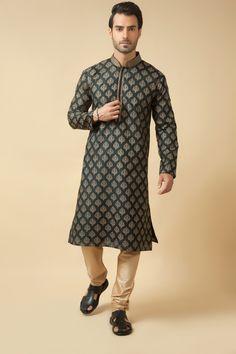Matka silk kurta churidar embellished with katha work. Item number M15-117