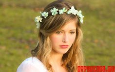 Beach Wedding Hairstyles With Flowers