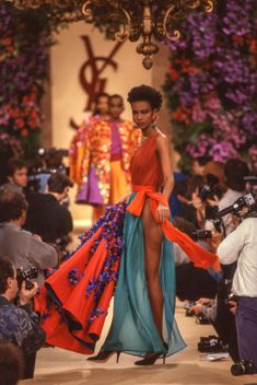 Runway Fashion, Spring Fashion, High Fashion, Vintage Ysl, Vintage Fashion, Elegant Style Women, Yves Saint Laurent Paris, Got The Look, Black Models