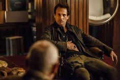 D2 @SMerrells as Julian talking with General Reisen