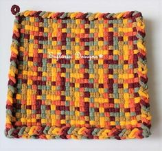 Potholder Loom, Potholder Patterns, Tips And Tricks, Hot Pads, Gifts For Dad, Fathers Day Gifts, Retro Kitchen Decor, Kitchen Gifts, Sunflower Kitchen Decor