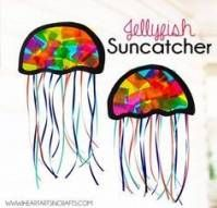 Suncatcher Jellyfish Kids Craft jellyfish craft - ocean kid craft - crafts for kids- kid crafts. Sea Animal Crafts, Animal Crafts For Kids, Toddler Crafts, Preschool Crafts, Art For Kids, Kids Fun, Animal Activities For Kids, Creative Activities For Kids, Jellyfish Kids